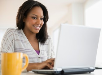 o-AFRICAN-AMERICAN-WOMAN-ON-COMPUTER-facebook